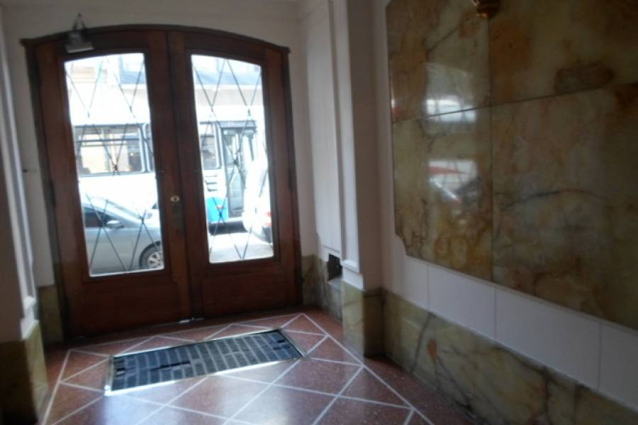 Flores,Capital Federal,Argentina,2 Bedrooms Bedrooms,1 BañoBathrooms,Apartamentos,VARELA,6620