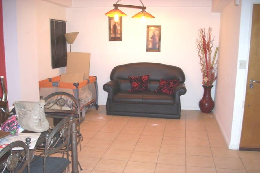 Flores,Capital Federal,Argentina,2 Bedrooms Bedrooms,1 BañoBathrooms,Apartamentos,VARELA ,6625