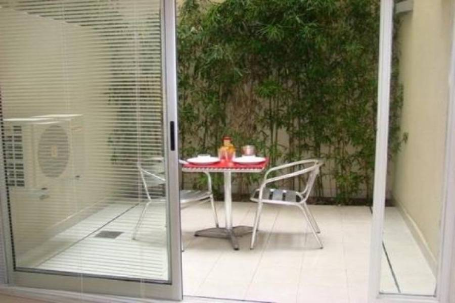 Recoleta,Capital Federal,Argentina,2 Bedrooms Bedrooms,1 BañoBathrooms,Apartamentos,ARENALES ,6642
