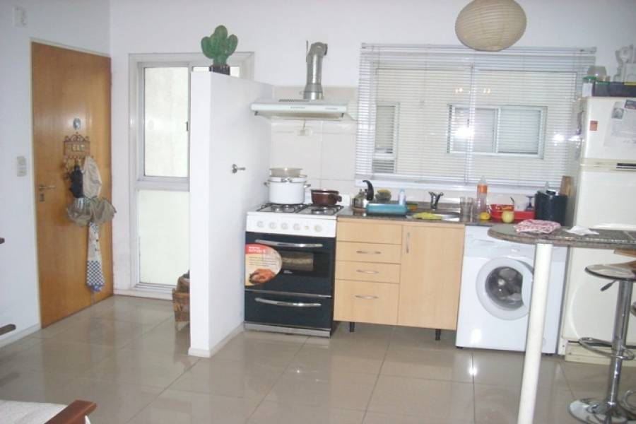 Flores,Capital Federal,Argentina,2 Bedrooms Bedrooms,1 BañoBathrooms,Apartamentos,LAFUENTE ,6677