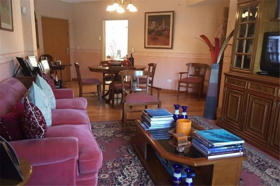 Adrogue,Buenos Aires,Argentina,3 Bedrooms Bedrooms,2 BathroomsBathrooms,Apartamentos,6798
