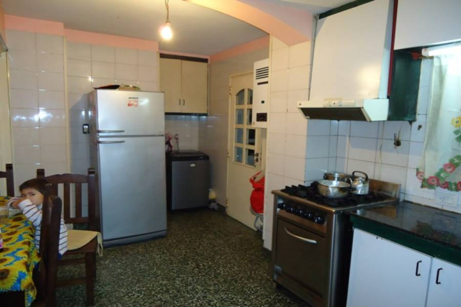 Flores,Capital Federal,Argentina,2 Bedrooms Bedrooms,1 BañoBathrooms,Apartamentos,AVELLANEDA,6917