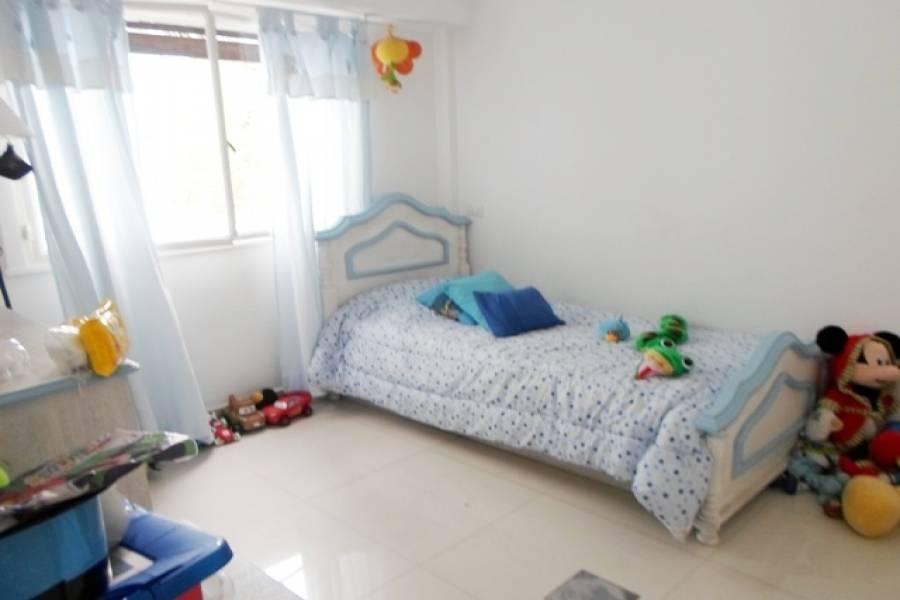 Flores,Capital Federal,Argentina,2 Bedrooms Bedrooms,1 BañoBathrooms,Apartamentos,LAUTARO,6921