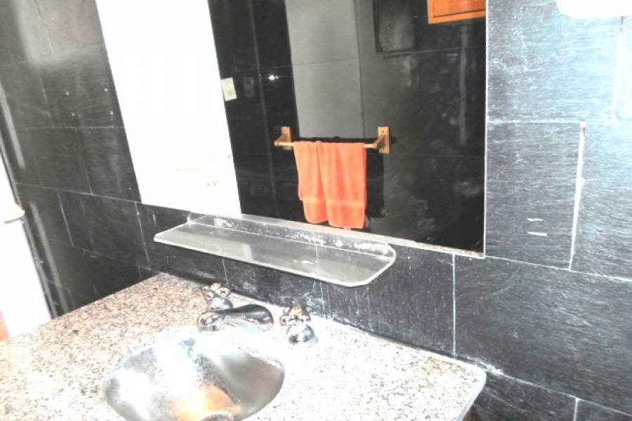 Flores,Capital Federal,Argentina,2 Bedrooms Bedrooms,1 BañoBathrooms,Apartamentos,RAMON FALCON,7012