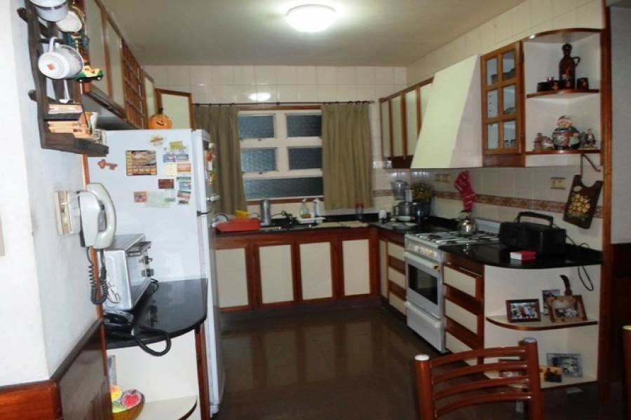 Flores,Capital Federal,Argentina,2 Bedrooms Bedrooms,1 BañoBathrooms,Apartamentos,RIVADAVIA,7137