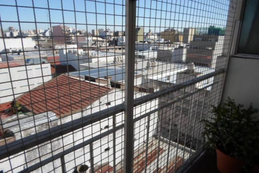 Flores,Capital Federal,Argentina,2 Bedrooms Bedrooms,1 BañoBathrooms,Apartamentos,CUENCA ,7156