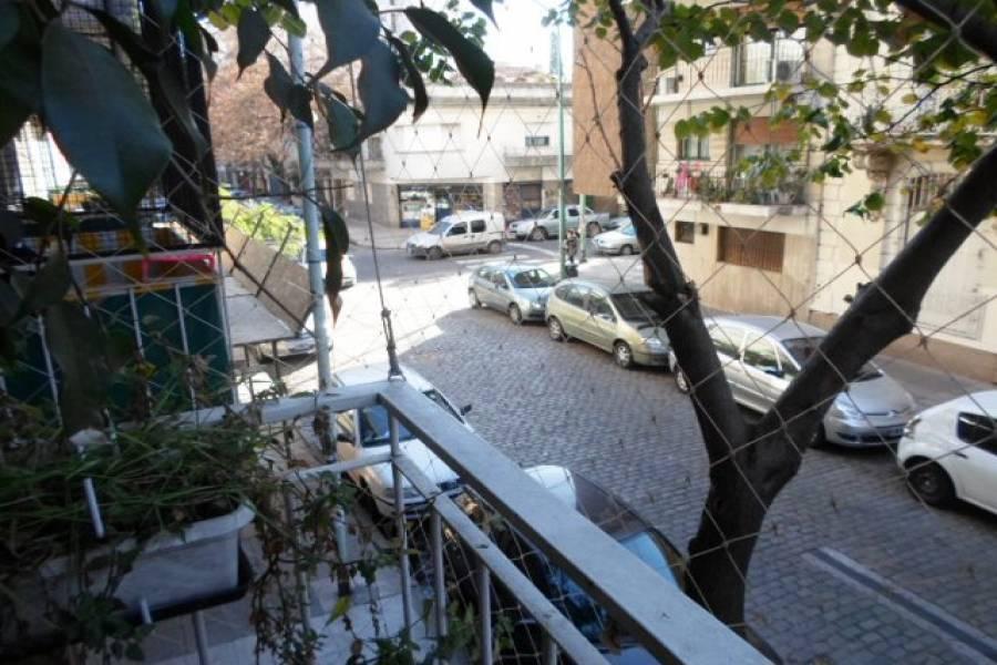 Flores,Capital Federal,Argentina,2 Bedrooms Bedrooms,1 BañoBathrooms,Apartamentos,GAVILAN,7169
