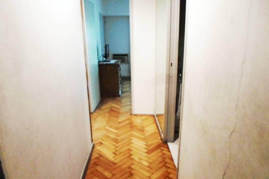 Flores,Capital Federal,Argentina,2 Bedrooms Bedrooms,1 BañoBathrooms,Apartamentos,LAUTARO,7219