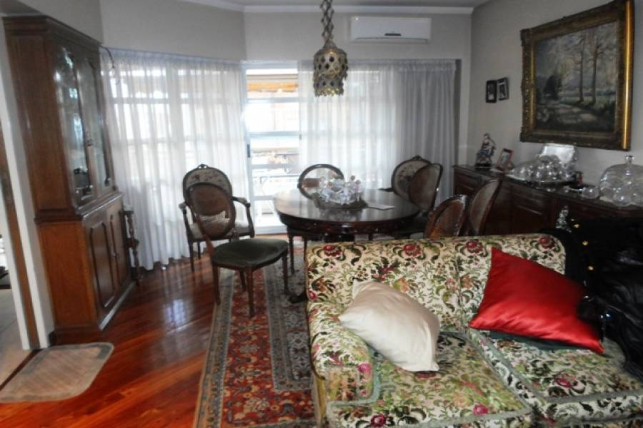 Flores,Capital Federal,Argentina,2 Bedrooms Bedrooms,1 BañoBathrooms,Apartamentos,CAMACUA ,7235