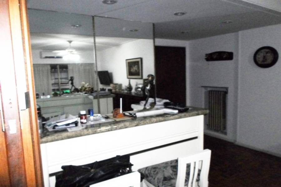 Flores,Capital Federal,Argentina,2 Bedrooms Bedrooms,1 BañoBathrooms,Apartamentos,RAMON FALCON ,7248