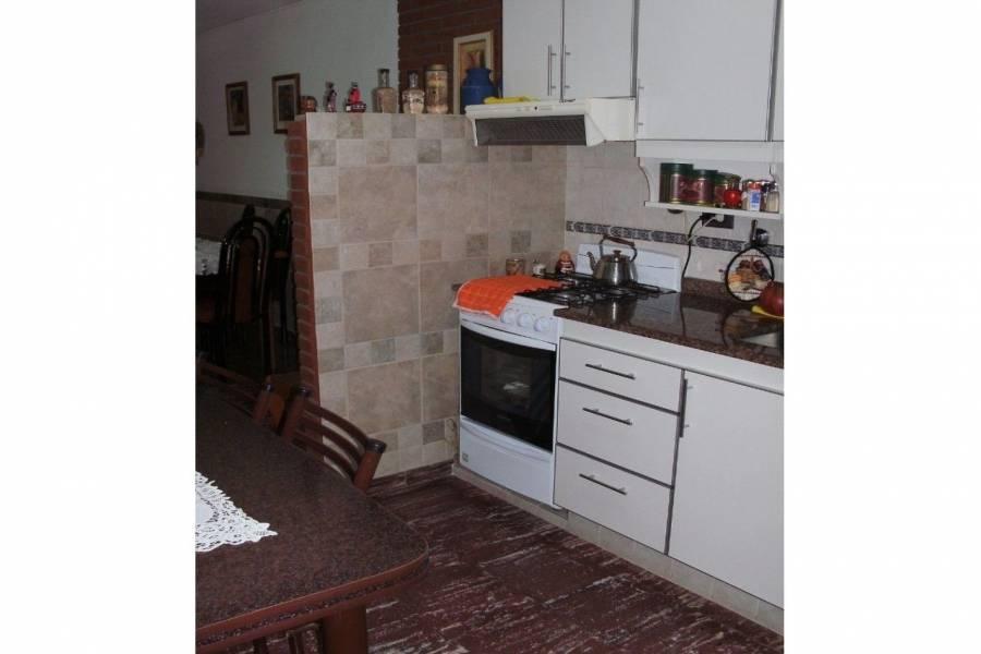 Rosario,Santa Fe,3 Habitaciones Habitaciones,1 BañoBaños,Casas,Garibaldi,1638