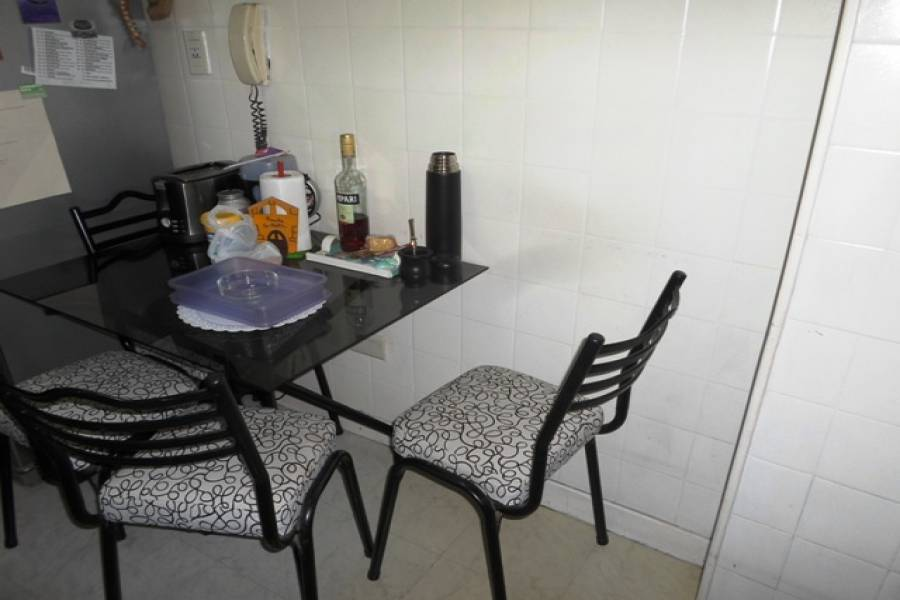 Flores,Capital Federal,Argentina,2 Bedrooms Bedrooms,1 BañoBathrooms,Apartamentos,RAMON FALCON,7343