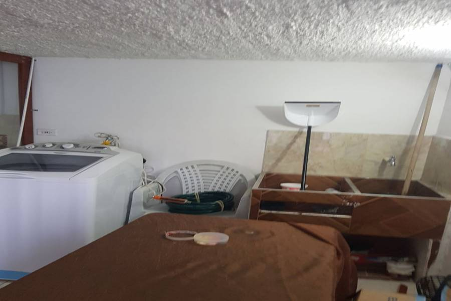 IMPERDIBLE! VER INFO..., 4 Bedrooms Bedrooms, ,1 BañoBathrooms,Casas,Venta,30,1,7387