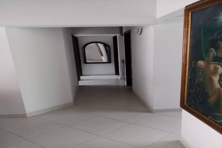 IMPERDIBLE! VER INFO...,3 Bedrooms Bedrooms,2 BathroomsBathrooms,Apartamentos,pomos de cataluña,cra 25a n 40-122,7459