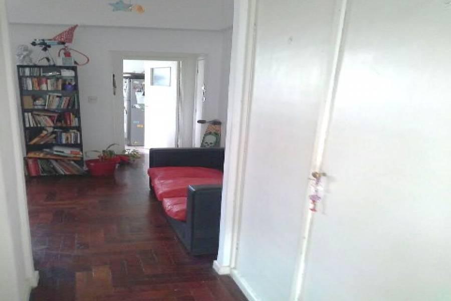Flores,Capital Federal,Argentina,2 Bedrooms Bedrooms,1 BañoBathrooms,Apartamentos,FALCON,7475