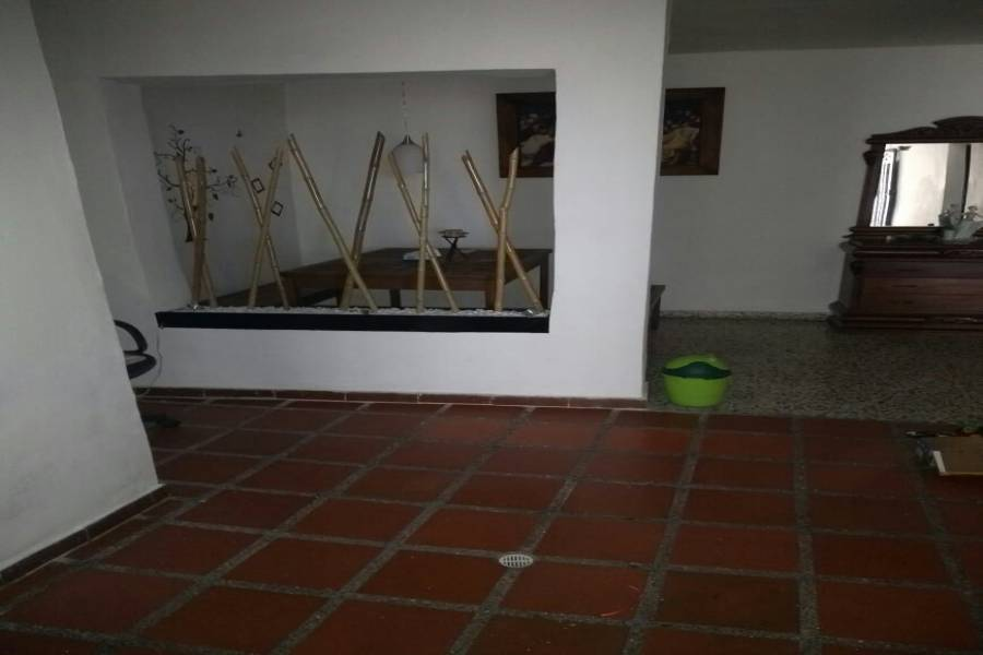 IMPERDIBLE! VER INFO...,4 Bedrooms Bedrooms,2 BathroomsBathrooms,Casas,1,7522