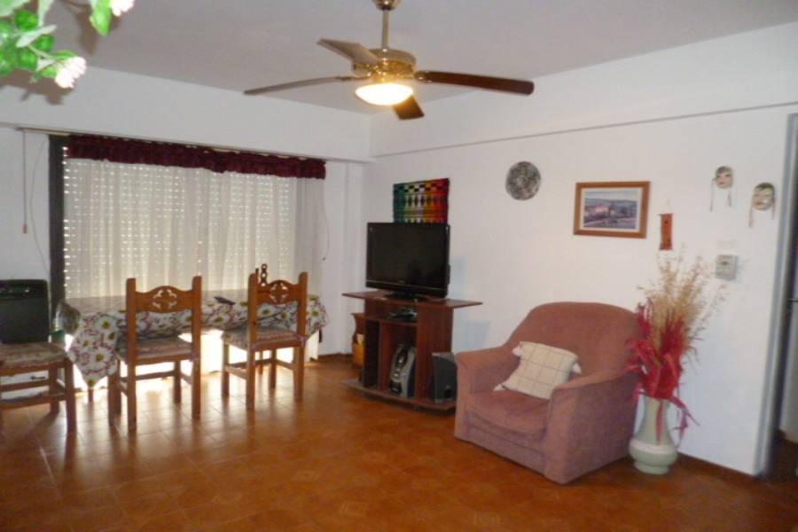 Buenos Aires,Argentina,2 Bedrooms Bedrooms,1 BañoBathrooms,Apartamentos,Riazor VIII,Calle 3 ,9,7608