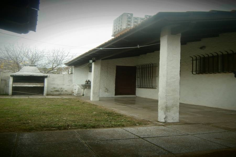 Mar del Tuyu,Buenos Aires,Argentina,3 Bedrooms Bedrooms,2 BathroomsBathrooms,Casas,56 Nº167 entre (1 y 2),7660
