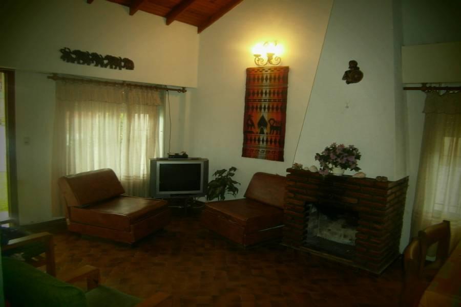 Mar del Tuyu,Buenos Aires,Argentina,3 Bedrooms Bedrooms,2 BathroomsBathrooms,Casas,56 Nº167 entre (1 y 2),7660