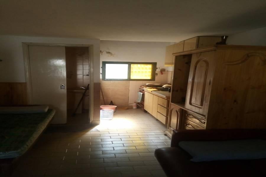 Las Toninas,Buenos Aires,Argentina,2 Bedrooms Bedrooms,2 BathroomsBathrooms,Casas,8 Nº345 entre (5 y 7),7661