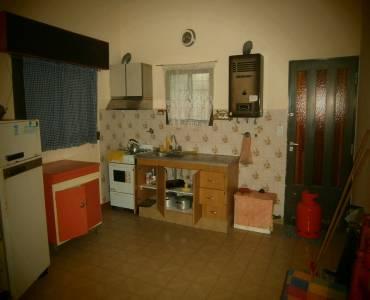 Mar del Tuyu,Buenos Aires,Argentina,2 Bedrooms Bedrooms,1 BañoBathrooms,Casas,58 Nº592 entre (5 y 6),7664