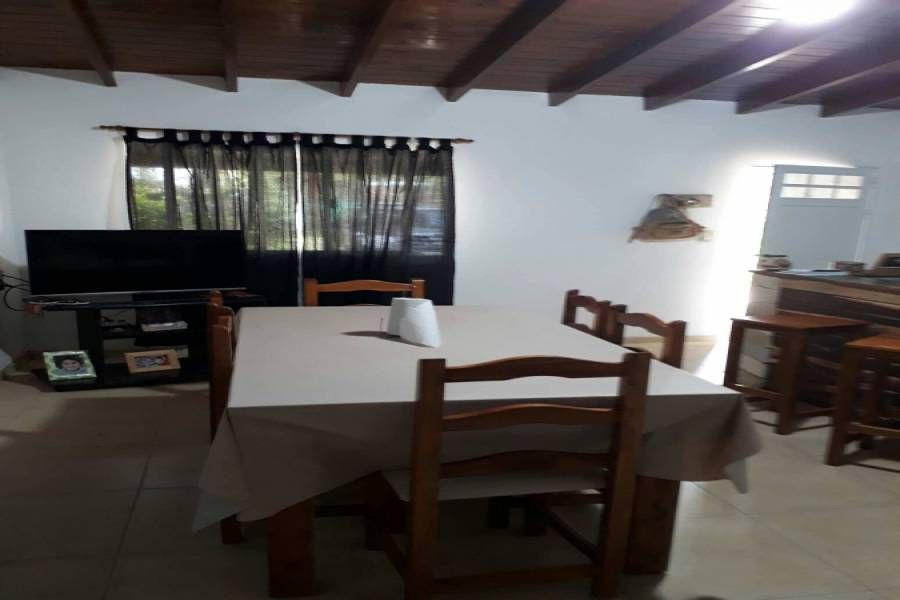 Santa Teresita,Buenos Aires,Argentina,4 Bedrooms Bedrooms,1 BañoBathrooms,Casas,51 Nº1134 entre (11 y 12),7665