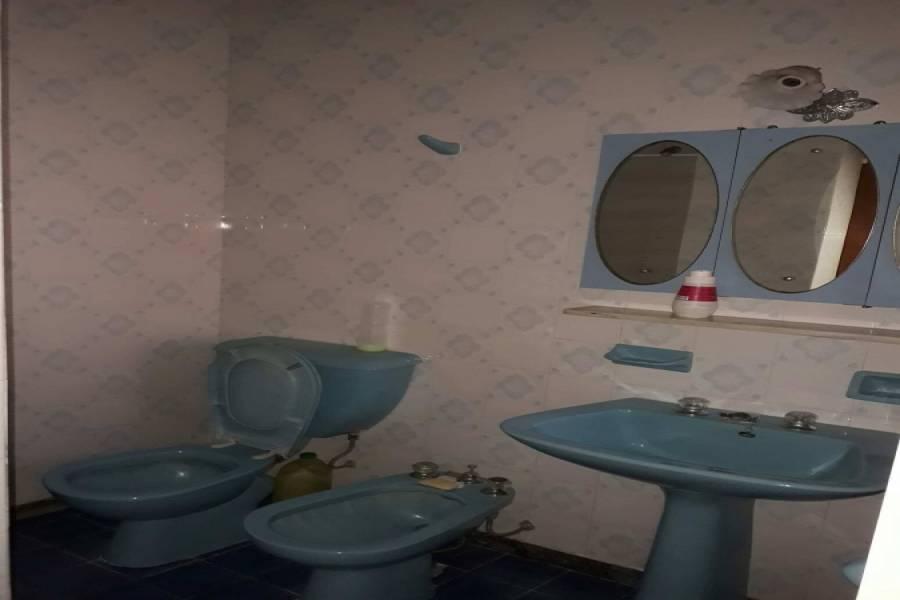 Santa Teresita,Buenos Aires,Argentina,4 Bedrooms Bedrooms,3 BathroomsBathrooms,Casas,TUCUMAN,7666