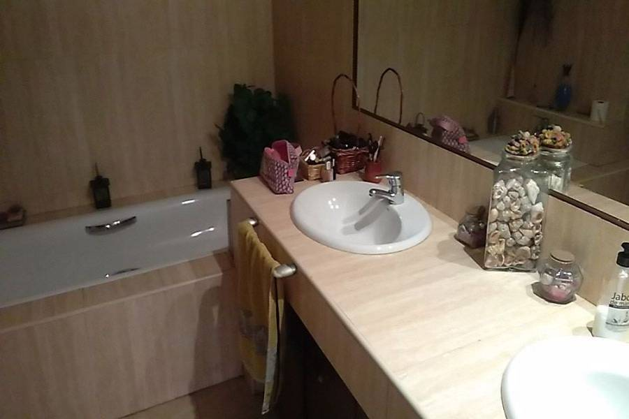 Alicante,Alicante,España,4 Bedrooms Bedrooms,3 BathroomsBathrooms,Dúplex,7854