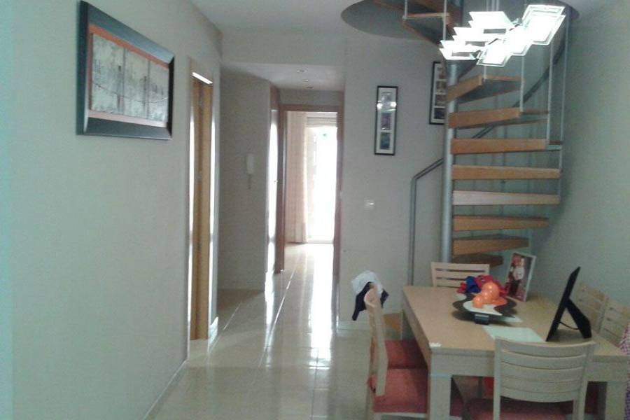 Alicante,Alicante,España,3 Bedrooms Bedrooms,2 BathroomsBathrooms,Dúplex,7894