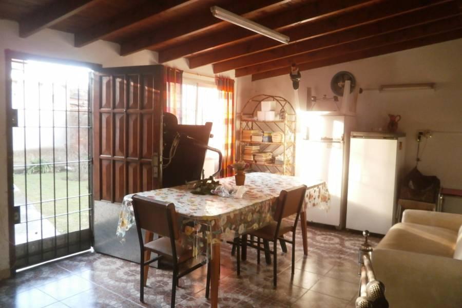 Santa Teresita,Buenos Aires,Argentina,2 Bedrooms Bedrooms,1 BañoBathrooms,Casas,126,8117