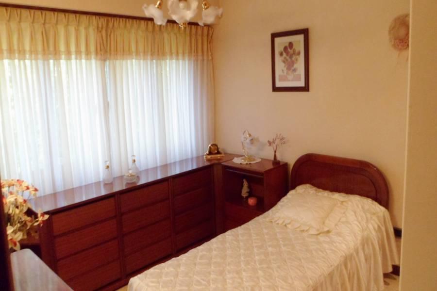 Santa Teresita,Buenos Aires,Argentina,3 Bedrooms Bedrooms,2 BathroomsBathrooms,Casas,MENDOZA,8124