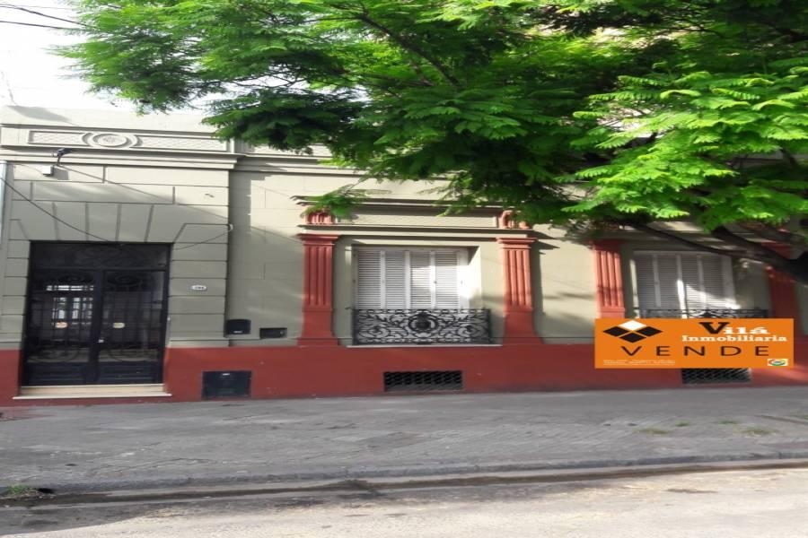 VENTA casa Antigua Av de Mayo 844: 8 habitaciones, 3 baños, cocina, recepción, estar, lote 460 m2, 320 m2 cubiertos. ATENCIÓN INVERSORES única en el mercado. Ideal profesionales, instituciones