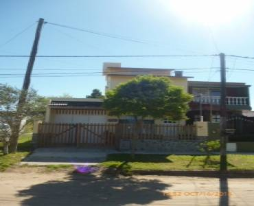 Santa Teresita,Buenos Aires,Argentina,3 Bedrooms Bedrooms,3 BathroomsBathrooms,Casas,5,8144