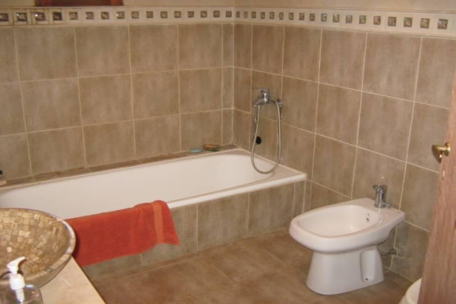Santa Teresita,Buenos Aires,Argentina,2 Bedrooms Bedrooms,2 BathroomsBathrooms,Casas,ALAMOS DE PRIMAVERA,8162
