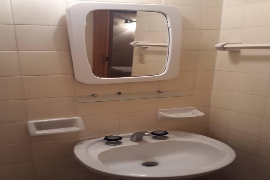 Santa Teresita,Buenos Aires,Argentina,2 Bedrooms Bedrooms,1 BañoBathrooms,Casas,3,8170
