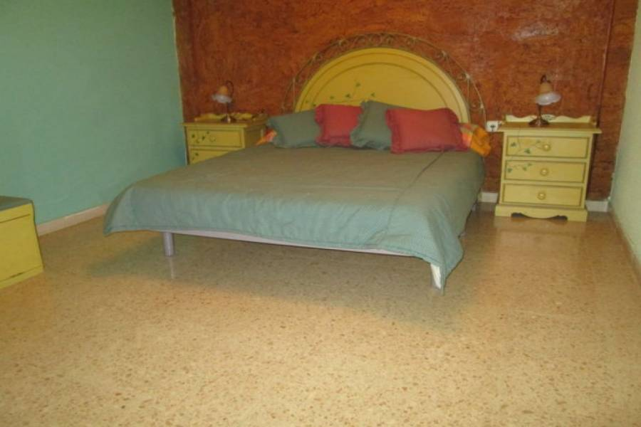 Alicante,Alicante,España,3 Bedrooms Bedrooms,1 BañoBathrooms,Pisos,8205