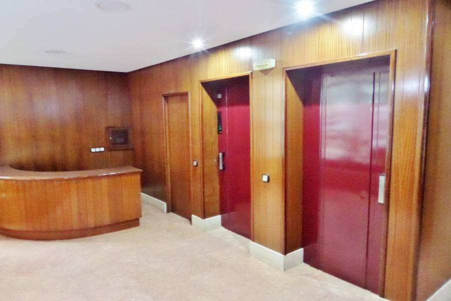 Alicante,Alicante,España,2 Bedrooms Bedrooms,1 BañoBathrooms,Pisos,8215