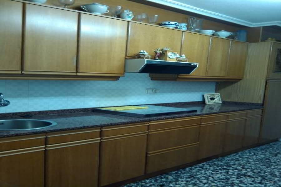 Elche,Alicante,España,4 Bedrooms Bedrooms,1 BañoBathrooms,Pisos,8221