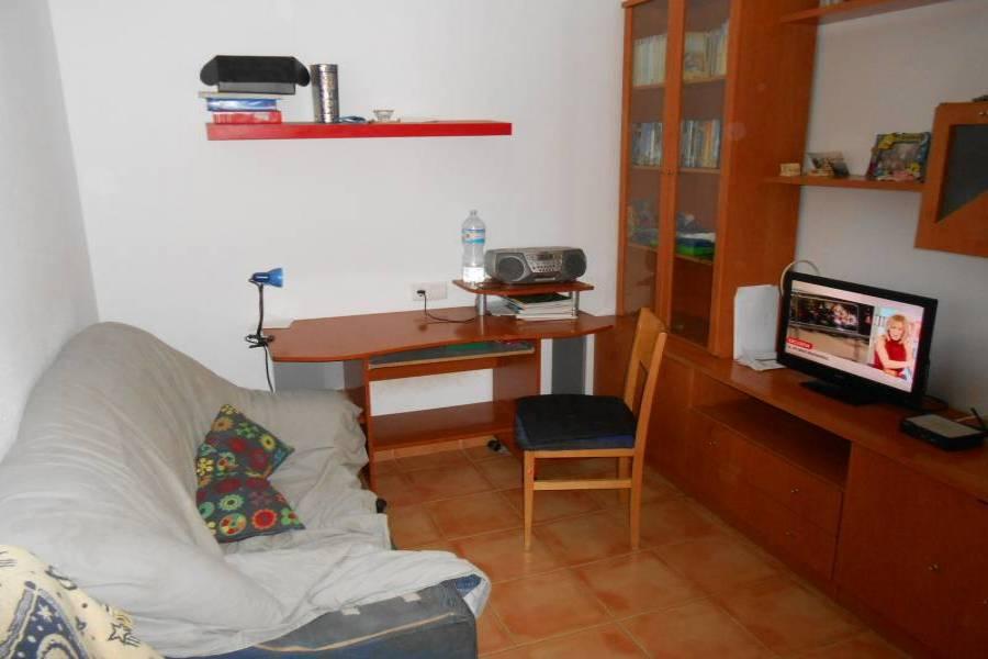 Alicante,Alicante,España,3 Bedrooms Bedrooms,2 BathroomsBathrooms,Pisos,8228