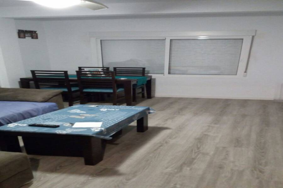 San Vicente del Raspeig,Alicante,España,3 Bedrooms Bedrooms,1 BañoBathrooms,Pisos,8243