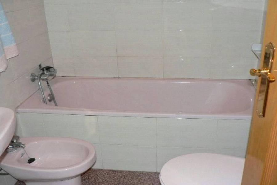 Alicante,Alicante,España,4 Bedrooms Bedrooms,2 BathroomsBathrooms,Pisos,8265
