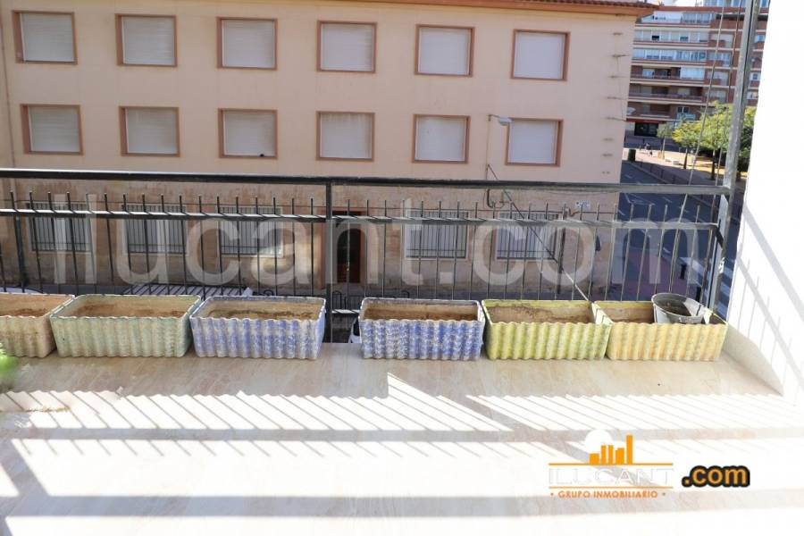 Alicante,Alicante,España,3 Bedrooms Bedrooms,1 BañoBathrooms,Pisos,8285