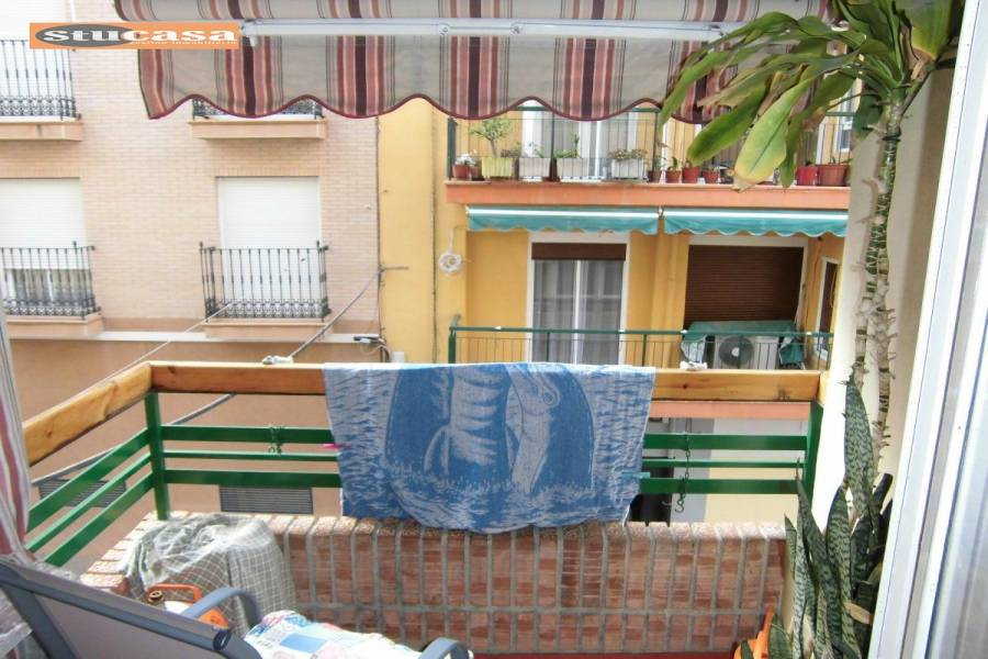 Alicante,Alicante,España,3 Bedrooms Bedrooms,1 BañoBathrooms,Pisos,8414