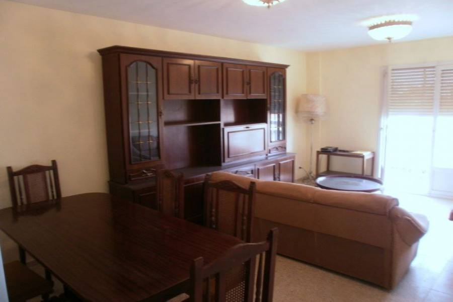 Alicante,Alicante,España,3 Bedrooms Bedrooms,1 BañoBathrooms,Pisos,8421