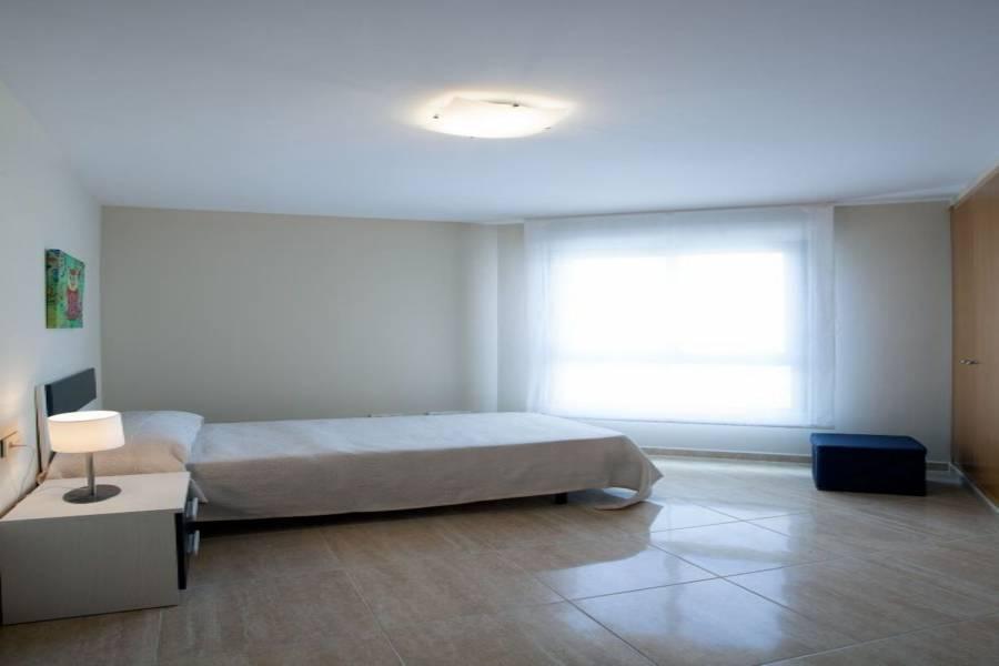 Alicante,Alicante,España,3 Bedrooms Bedrooms,2 BathroomsBathrooms,Pisos,8453