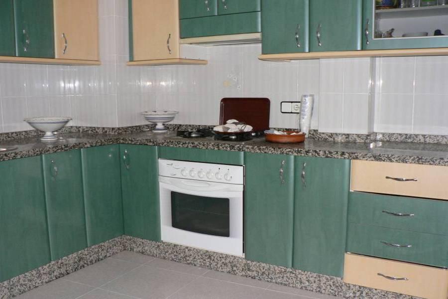Alicante,Alicante,España,4 Bedrooms Bedrooms,1 BañoBathrooms,Pisos,8456