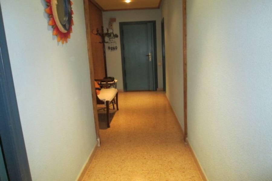 Alicante,Alicante,España,3 Bedrooms Bedrooms,1 BañoBathrooms,Pisos,8606