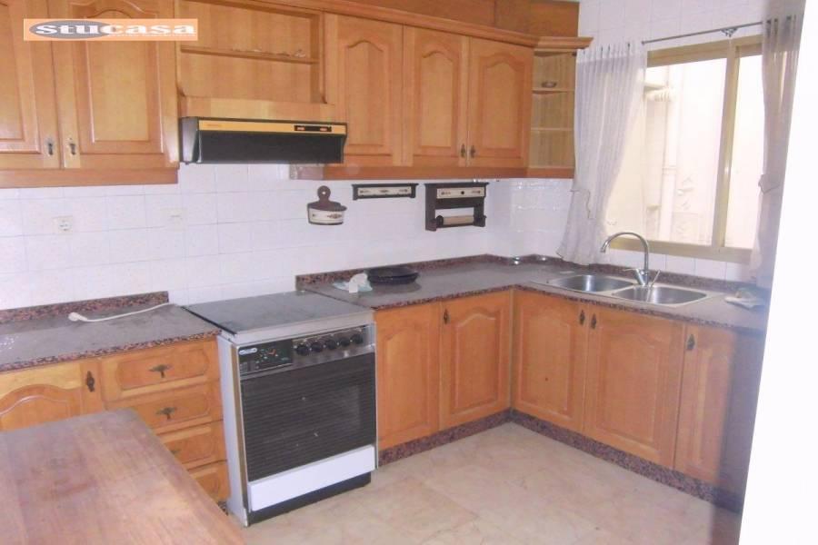 Alicante,Alicante,España,4 Bedrooms Bedrooms,2 BathroomsBathrooms,Pisos,8612