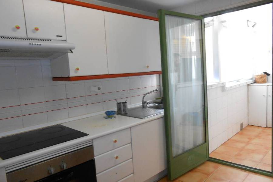 Alicante,Alicante,España,3 Bedrooms Bedrooms,2 BathroomsBathrooms,Pisos,8629