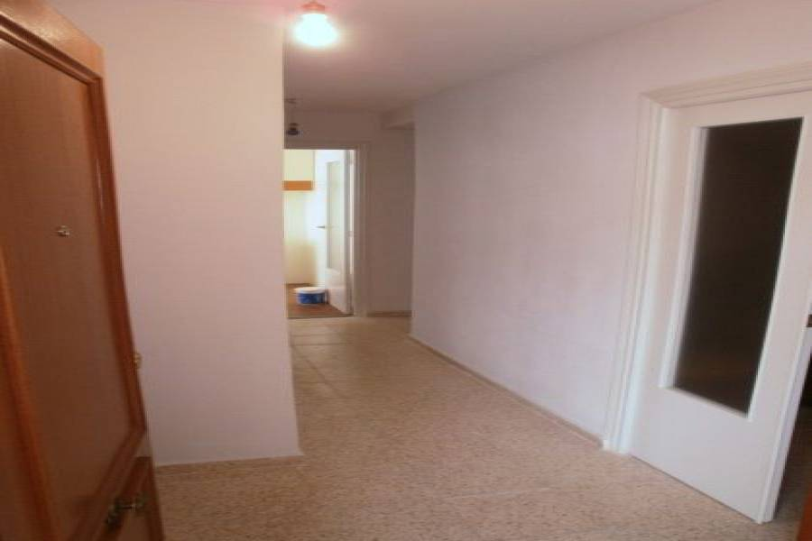 Alicante,Alicante,España,3 Bedrooms Bedrooms,1 BañoBathrooms,Pisos,8800